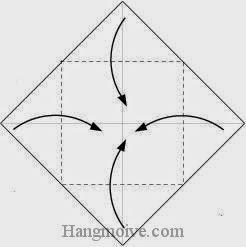 Bước 2: Gấp bốn góc tờ giấy vào trong.