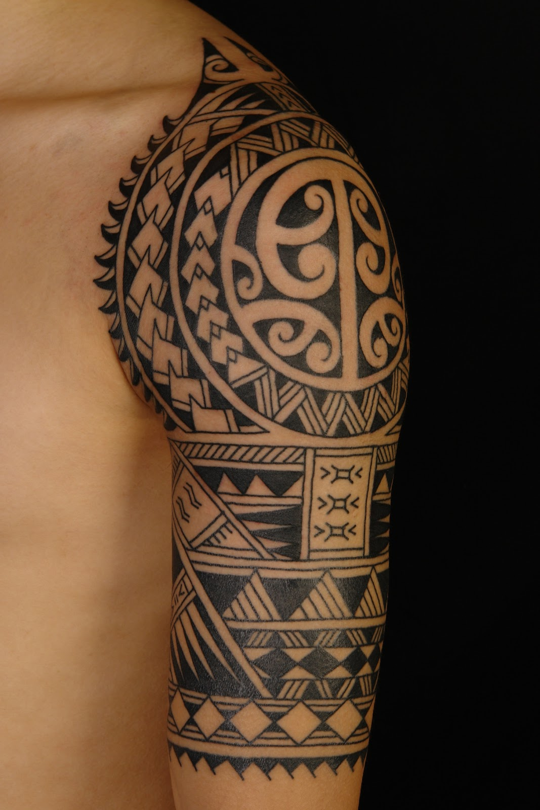 Polynesian Half Sleeve Tattoo Designs for Men