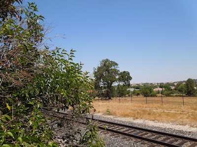 Railroad Tracks Behind Rural Auto Shop in Atascadero, © B. Radisavljevic