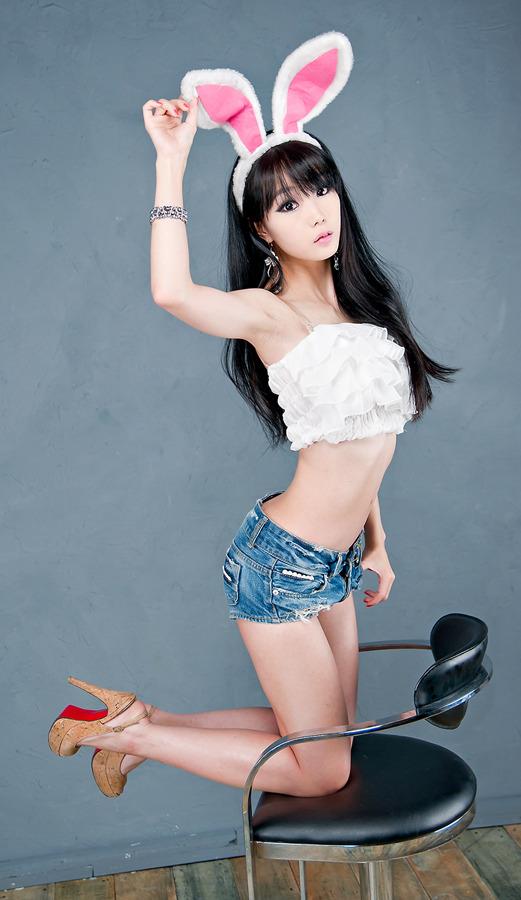 Lee minah and kim nami bed 6