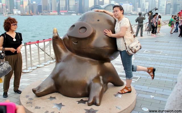Estatua del cerdo McDull