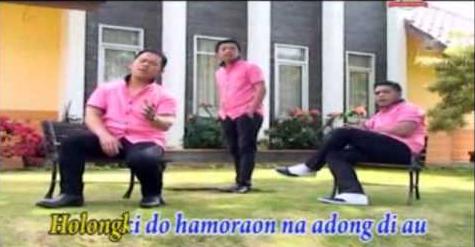 Holongki Do Hamoraonku-Lirik lagu Style Voice