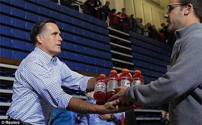 Mr Mitt Romney gave water to the people affected by the storm