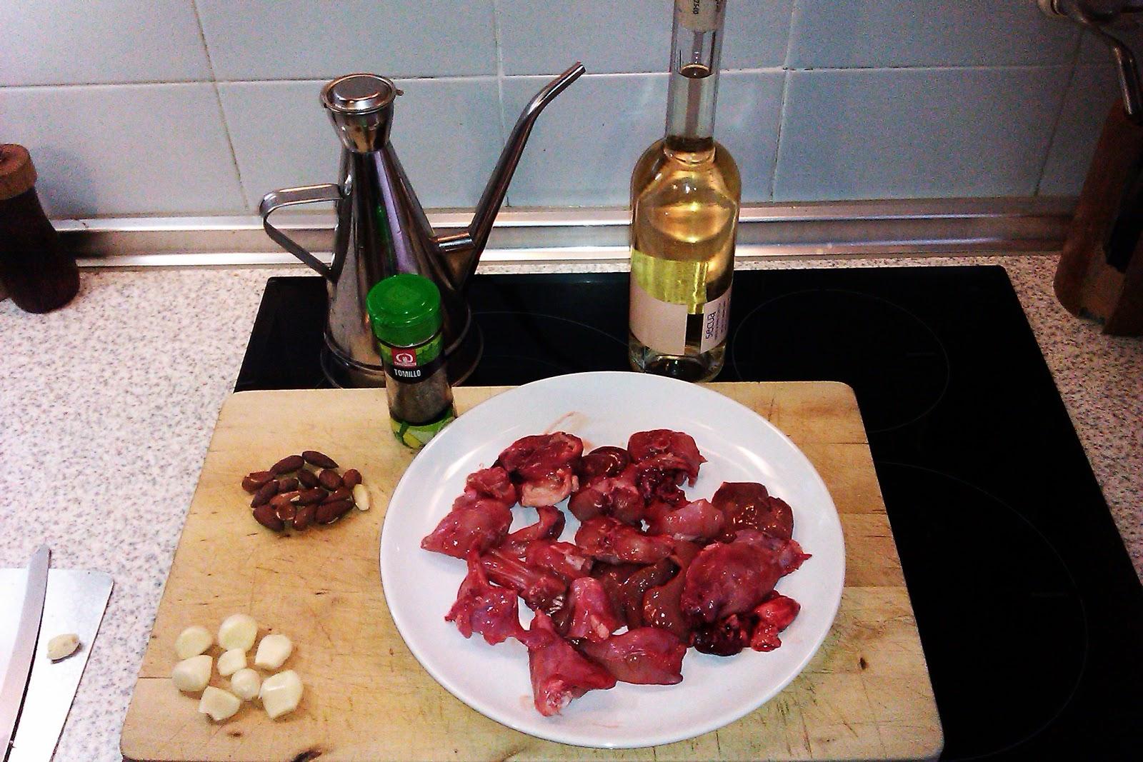 Receta de conejo con salsa de vino blanco almendras e for Cocinar higado
