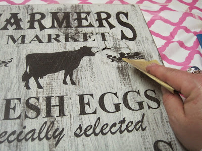 DIY Farmhouse Kitchen Signs, shared by Decorated Chaos