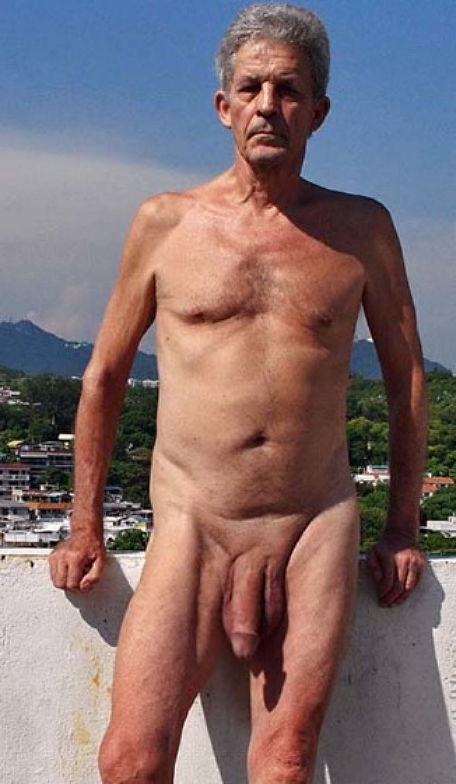 guy naked old