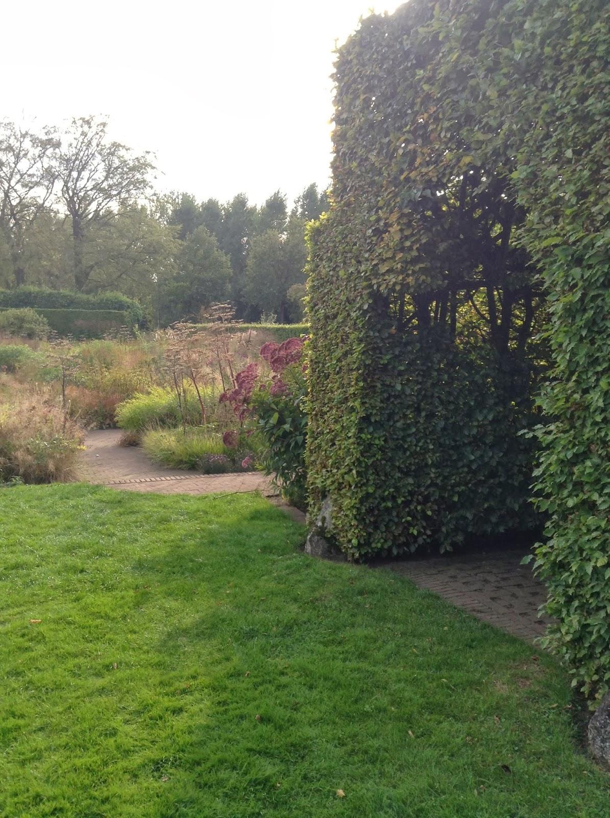 Mercurelli 39 s garden design wordless wednesdays hummelo for Piet oudolf private garden