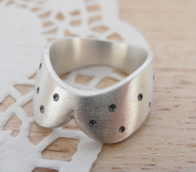 Simple Collar With Little Black Dots - sterling silver ring by izzie tale