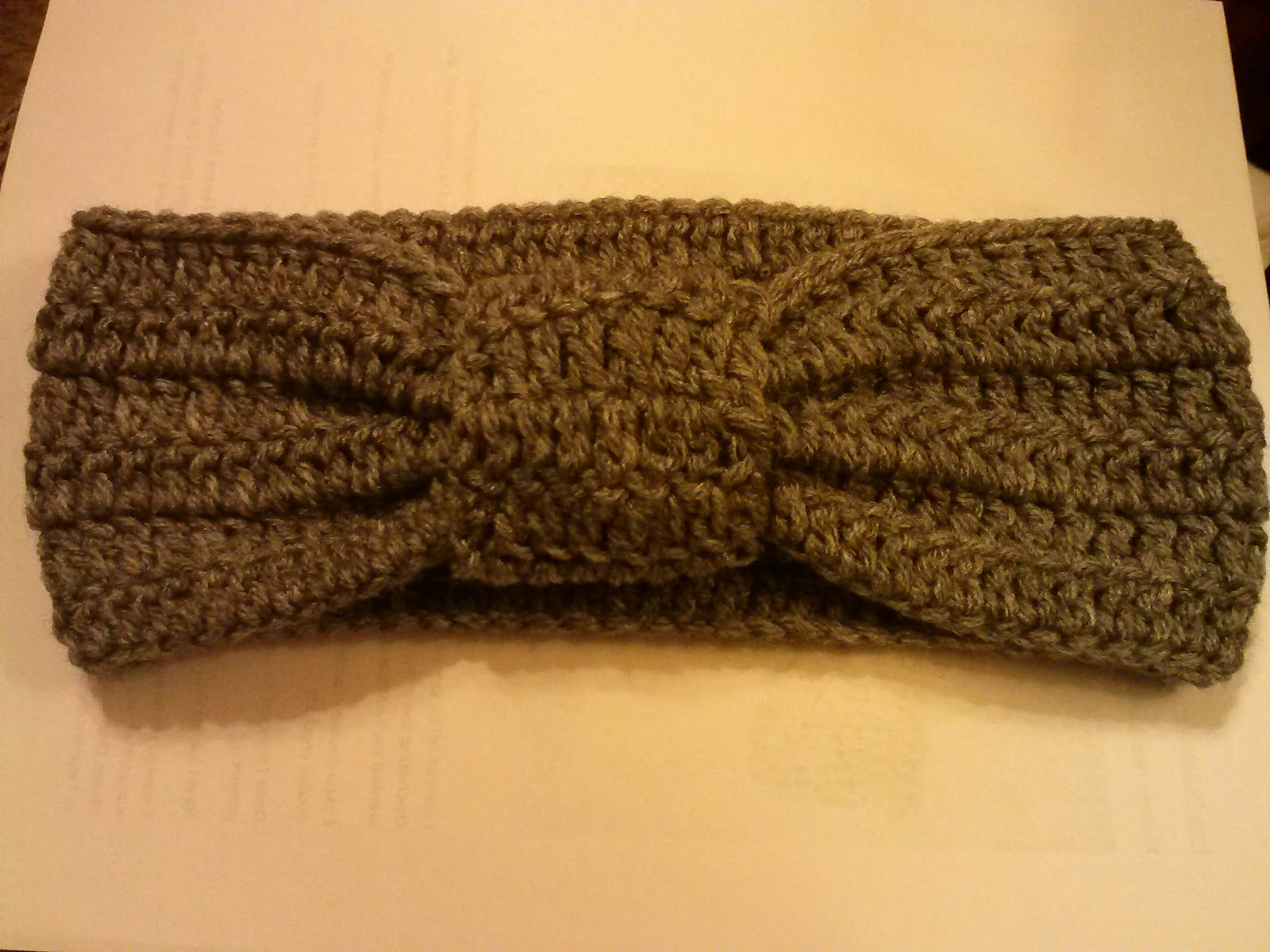 Family, Books and Crochet...Oh My!: Knotted Headband