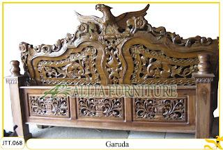 Tempat tidur kayu jati ukir jepara Garuda murah.Jakarta