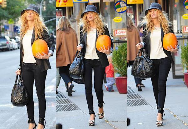 Blake Lively & pumpkin