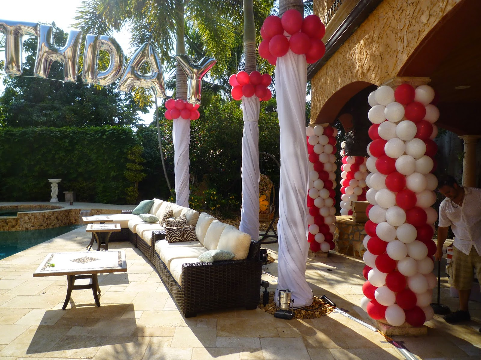 Dreamark events blog elegant columns wrapping by balloons for Balloon column decoration