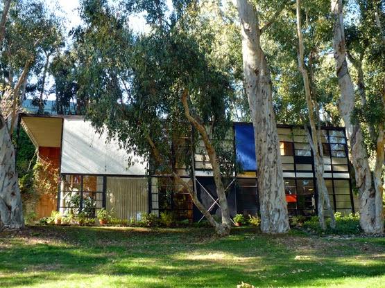 casa eames eames house arquitectura asombrosa. Black Bedroom Furniture Sets. Home Design Ideas