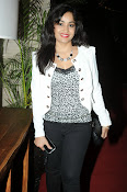 Madhavi Latha Latest Photos Gallery-thumbnail-1