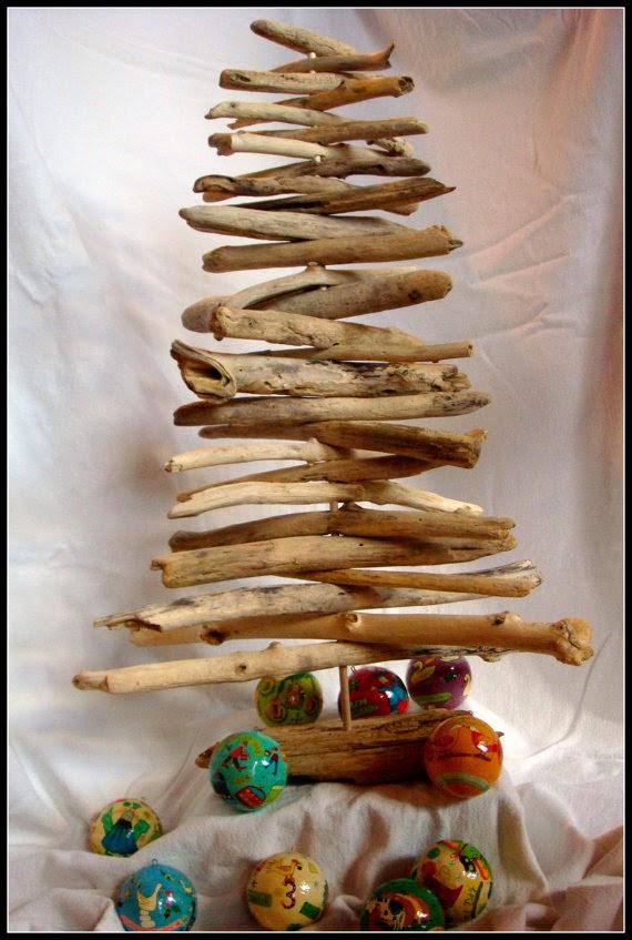 Arboles de Navidad con Madera a la Deriva, II Parte