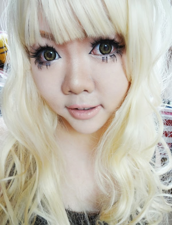 gyaru makeup eyelashes