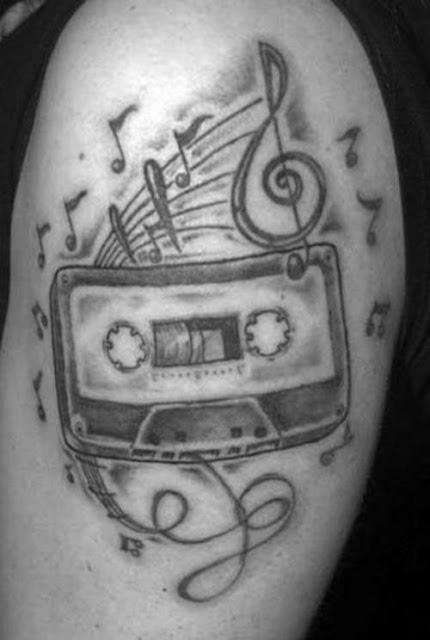 Tatuaje de Cassette y música