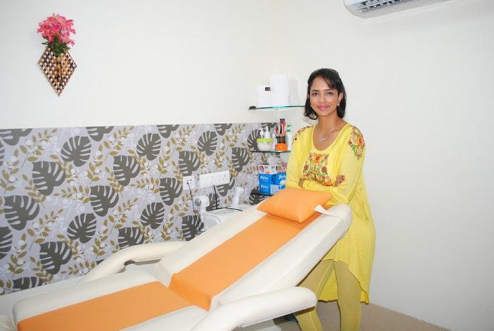 Lakshmi Prasanna @ Livlife Hospitals Function Photo Set - N/W  Lakshmi-Prasanna-at-Livlife-Hospitals_050