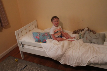 faith feet love guest post moving to a big kid. Black Bedroom Furniture Sets. Home Design Ideas