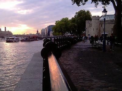 esta ciudad y este río se compenetran perfectamente ...