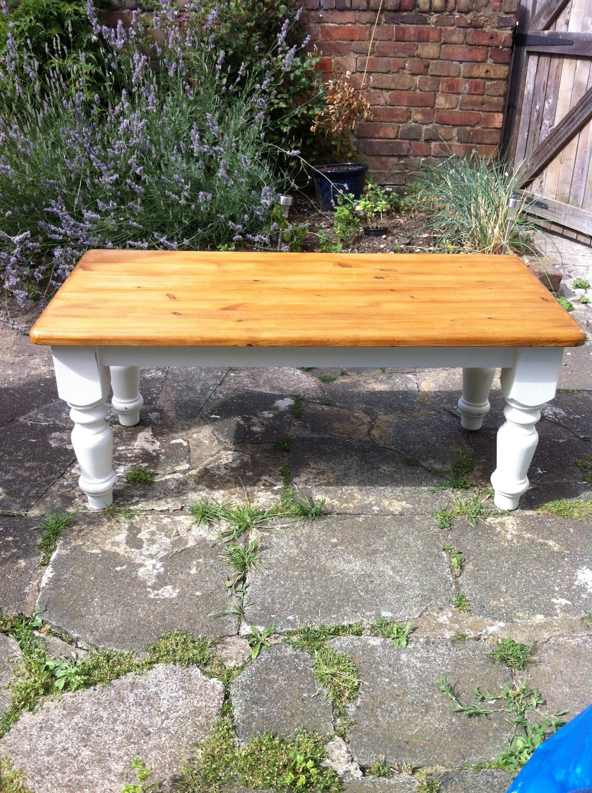 ... Coffee Table Then Painted The Legs Using Annie Sloan Old White Chalk  Paint. After Painting The Legs Two Coats Of Paint, I Waxed And Buffed The  Legs And ...