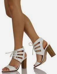Tips Memilih Sepatu High Heels Agar Nyaman Di Kaki