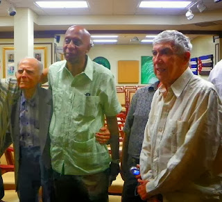 Huber Matos (izquierda), Guillermo Fariñas y Luis Posada Carriles (derecha)