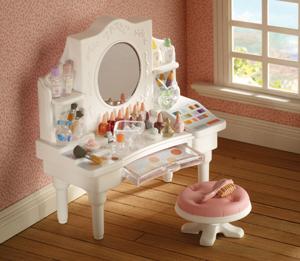 Karlota bjds dolls and miniatures sylvanian wishlist for Sylvanian families beauty salon dressing table