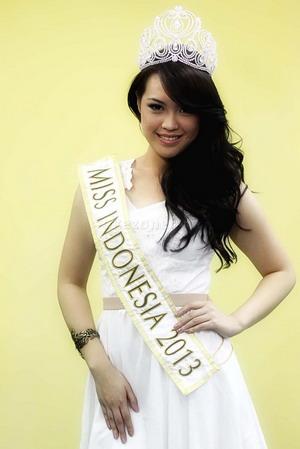 cinta sejati: FOTO Profil Lengkap Biodata Vania Larissa Putri Miss Indonesia 2013