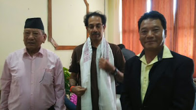 Col. Ramesh Aley, Shiv Sena chief Uddhav Thackeray, GTA chief Bimal Gurung