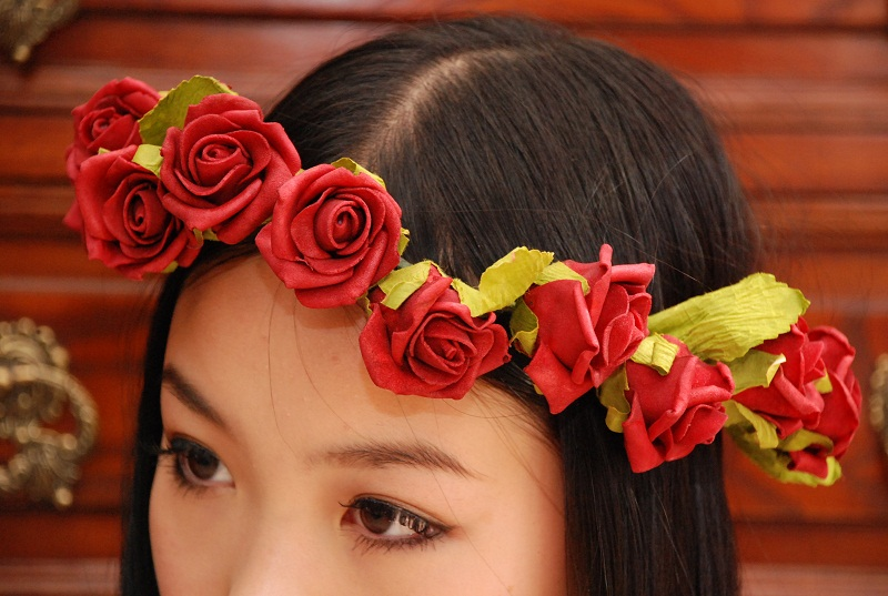 DIY Floral Crown, Floral Crown, Floral Garland, roses, style, fashion, accessory