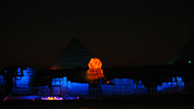 sphinx and the pyramids lighted up