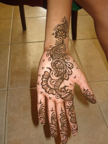 Mehndi Henna Fashion : Beautiful henna mehndi fashion styles and trends