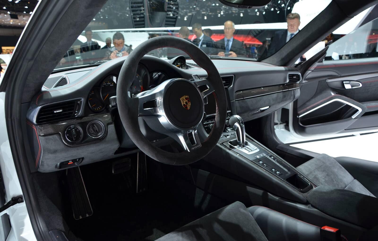 2015 porsche 911 gt2 fast speedy cars. Black Bedroom Furniture Sets. Home Design Ideas