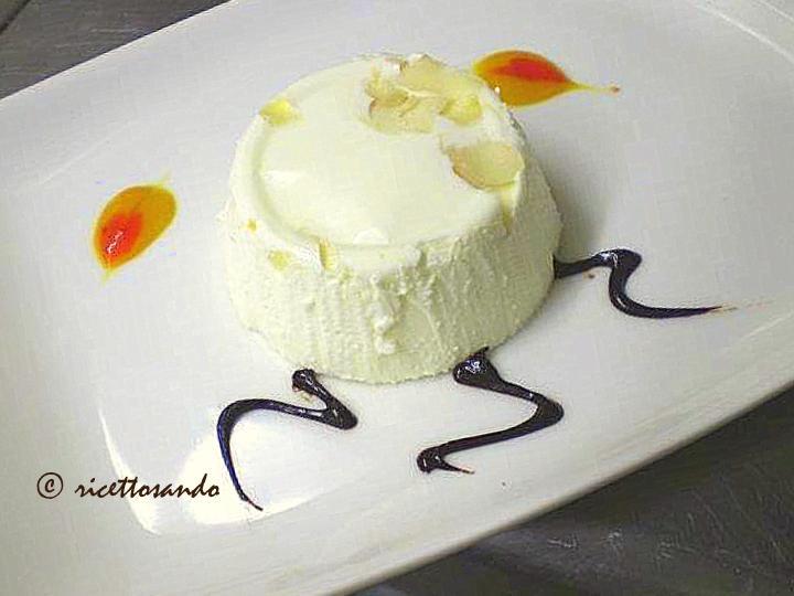 Bavarese yogurt e frutta secca  ricetta dolce e delicato dessert