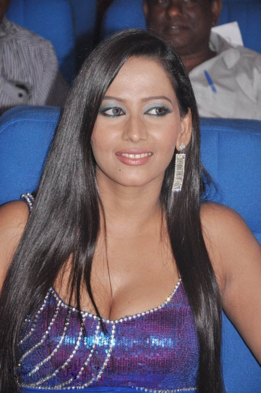 Sanjana Singh Hot boobs