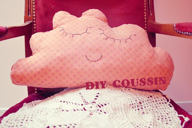 coussin nuage tout doux cherry plum vos cr ations. Black Bedroom Furniture Sets. Home Design Ideas