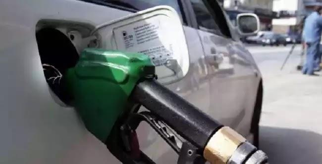 Χάλασε ο αυτόματος πωλητής σε βενζινάδικο της Τρίπολης και έβαζαν βενζίνη δωρεάν