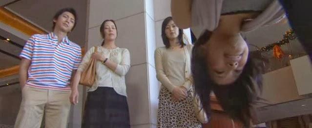 Misaki bows deeply in apology to Tsutsumi, Mikami and Asou.