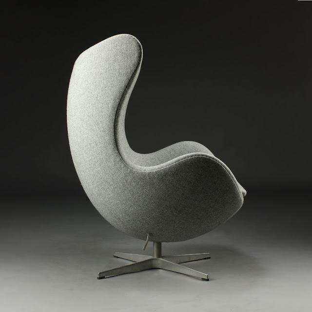 Арне Якобсен (англ. Arne Jacobsen)  — датский архитектор и дизайнер