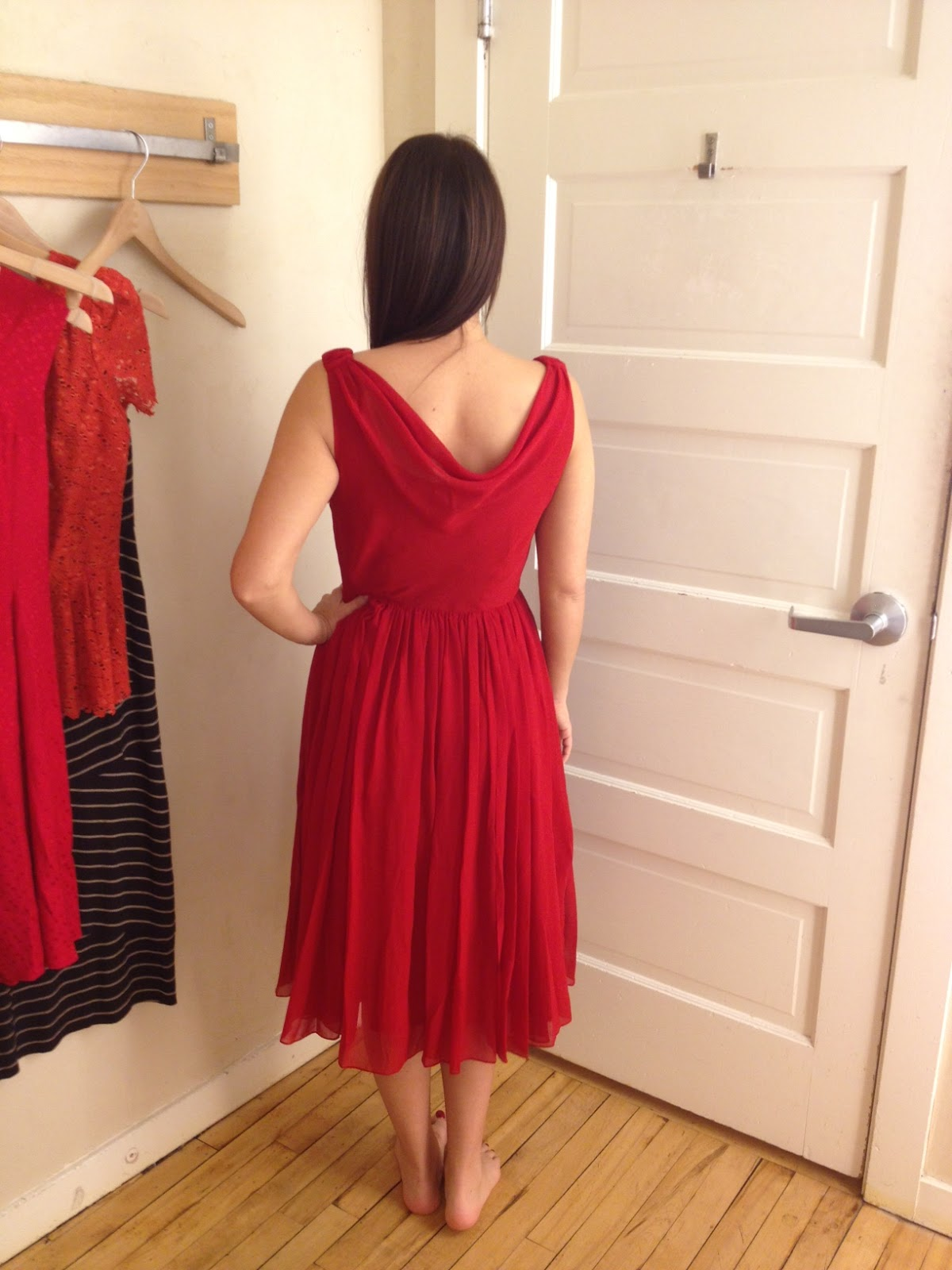 Moulinette Soeurs Gracia Dress Style 23277072 Color Red 060 Price 248 Length Regular 42 25 Pee 40 Pros Ruched Neckline