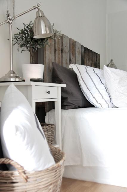 Diy Wood Pallet Headboard (12 Image)