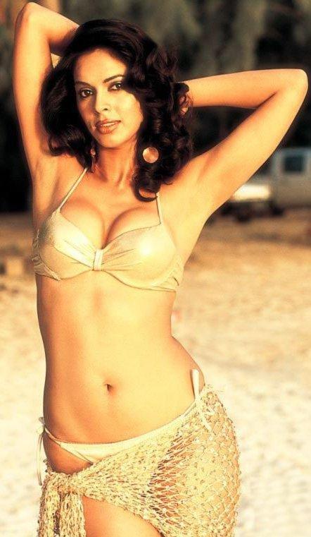 Mallika Sherawat Hot & Sexy Photos - Bollywoodlifecom