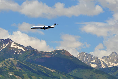United Jet on Approach to Aspen Airport