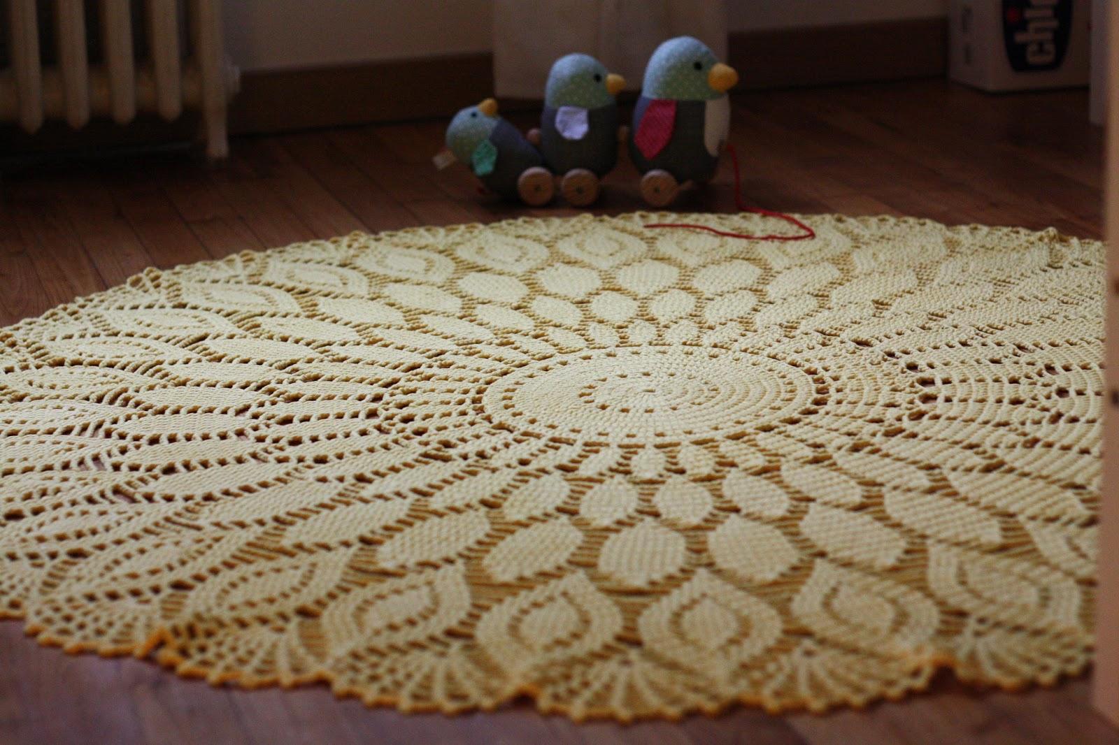 Le chat qui tricote: un rose jaune pour la chambre du poussin !