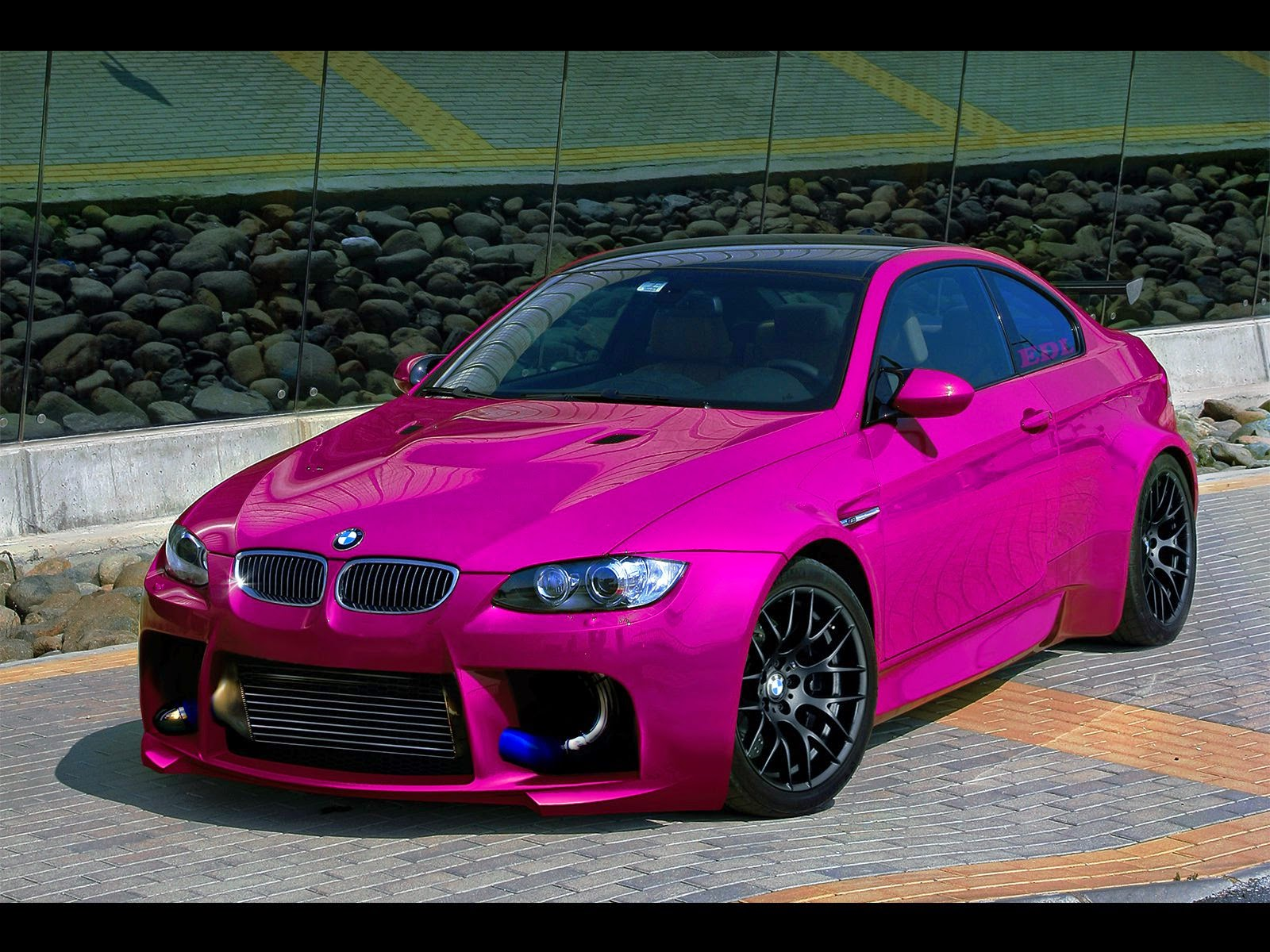 Gambar Modifikasi Mobil BMW Pink