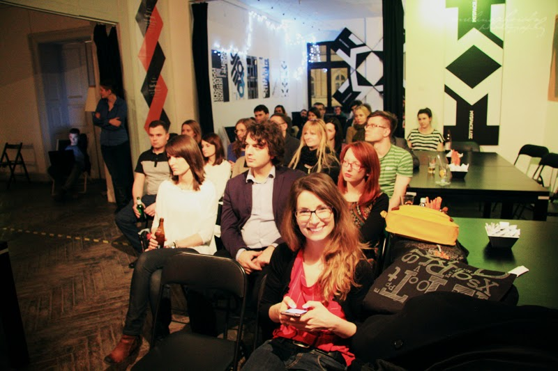 ludzie na widowni, 6 Dzielnica, spotkanie kobiet, branża IT, fotografia Ewelina Choroba