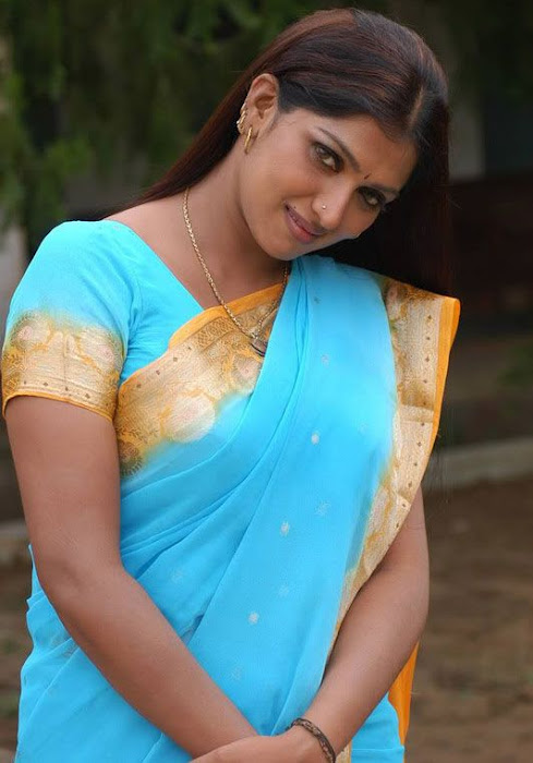 bhuvaneswari in blue saree hot images
