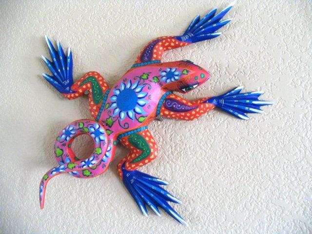 Art with aubrey oaxacan in paper mache