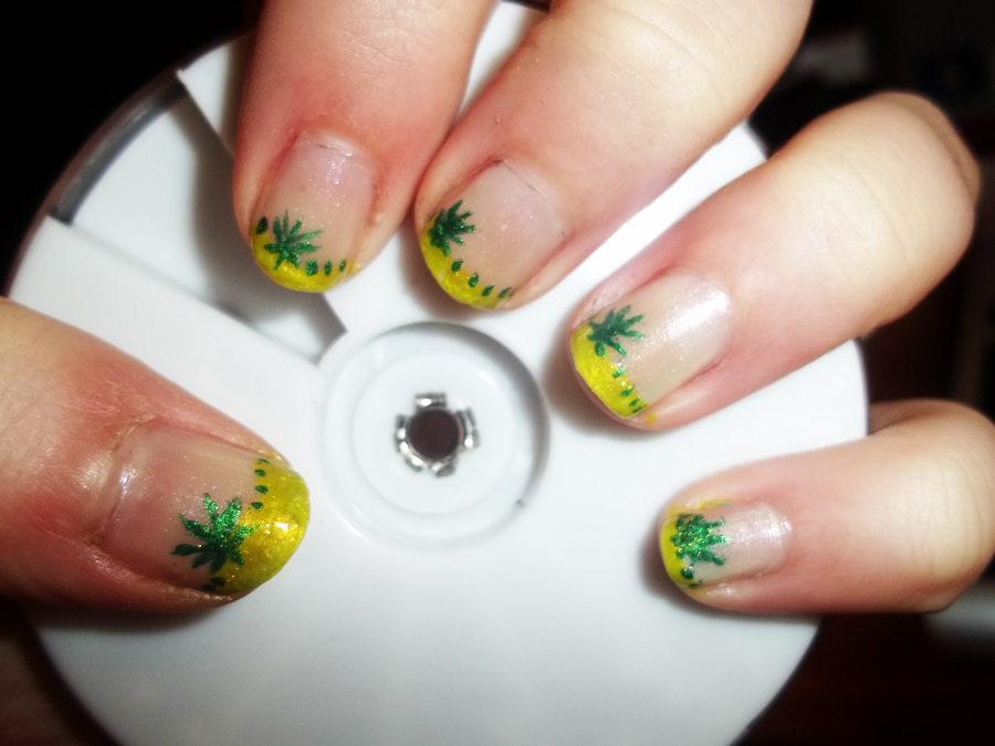 Pot Leaf Acrylic Nails | Best Nail Designs 2018